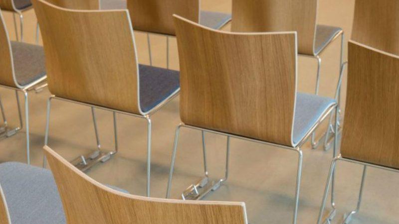 Har du brug for en konferencestol til samlingen finder du et stort udvalg her